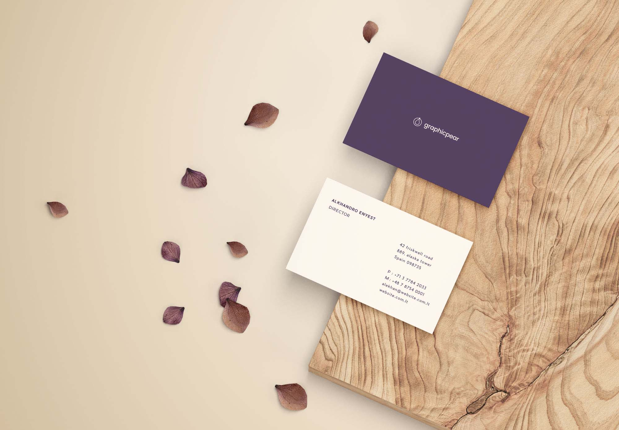Free Front and Back Business Card Mockup (PSD)