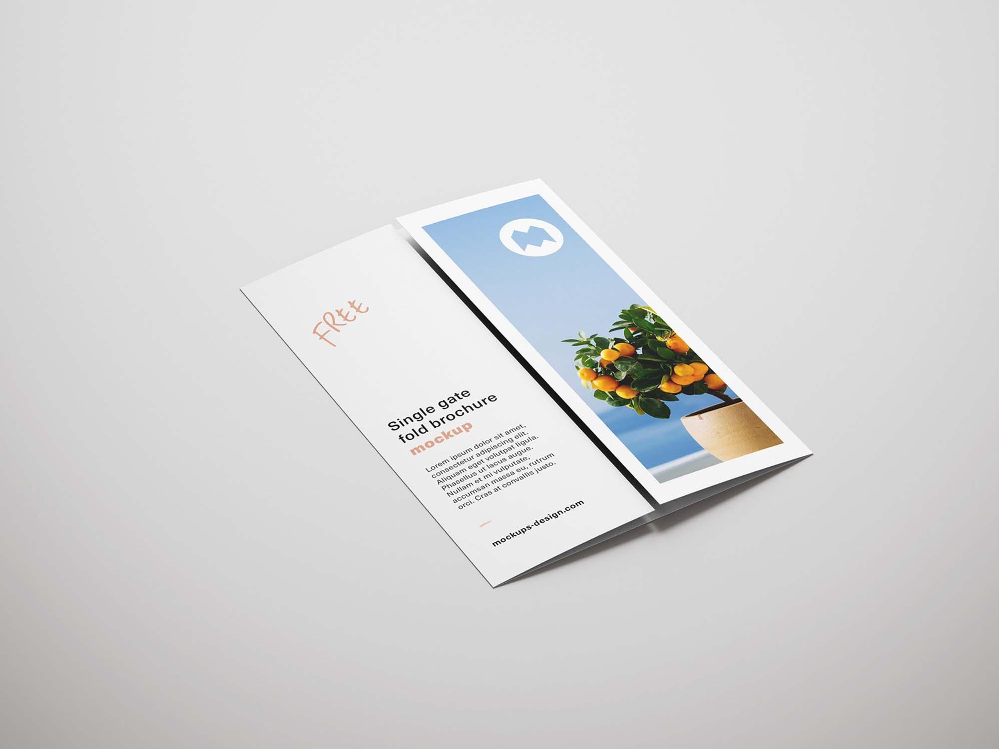 free single gatefold brochure mockup psd