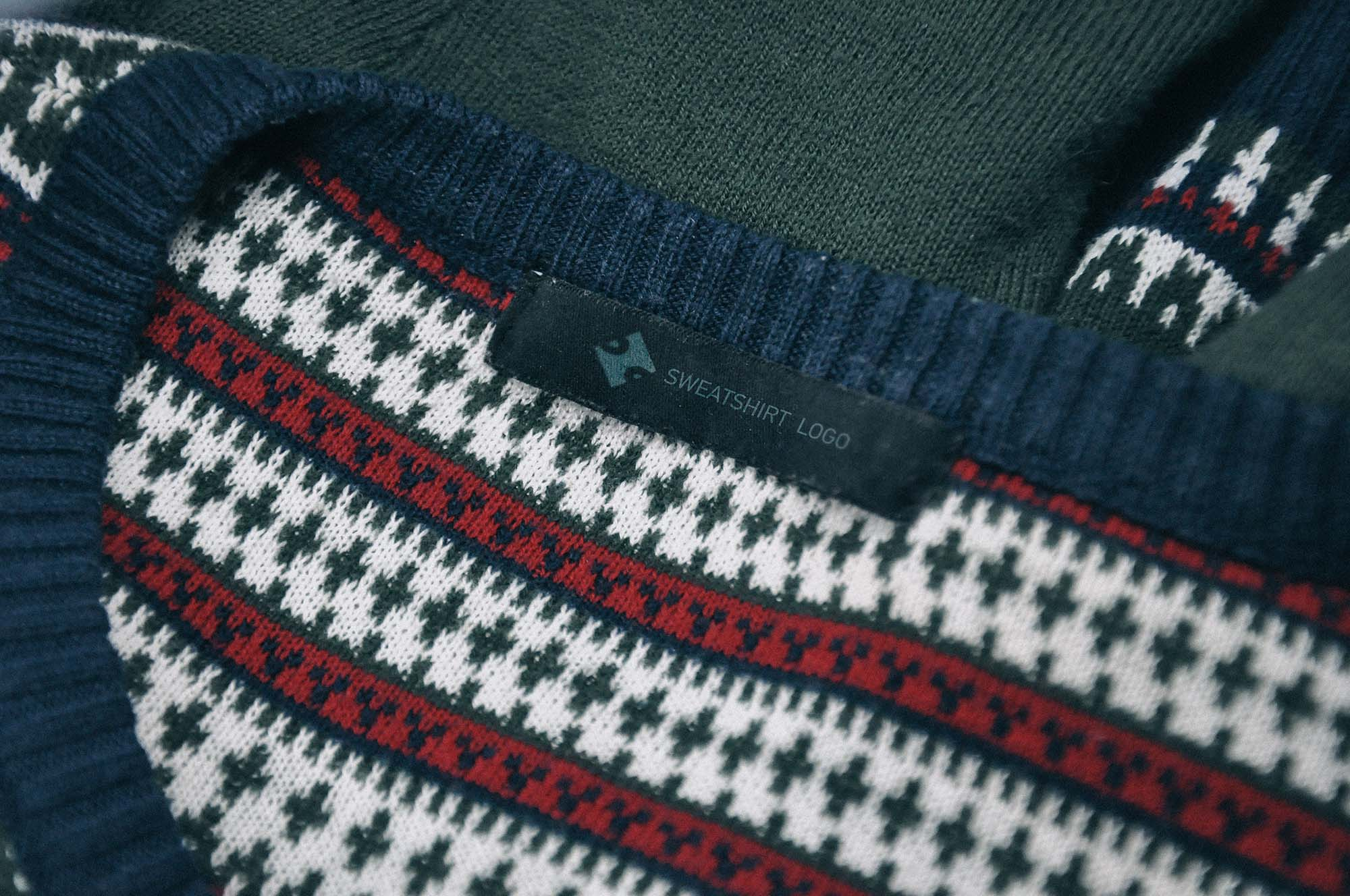 Horizontal Clothing Label Mockup