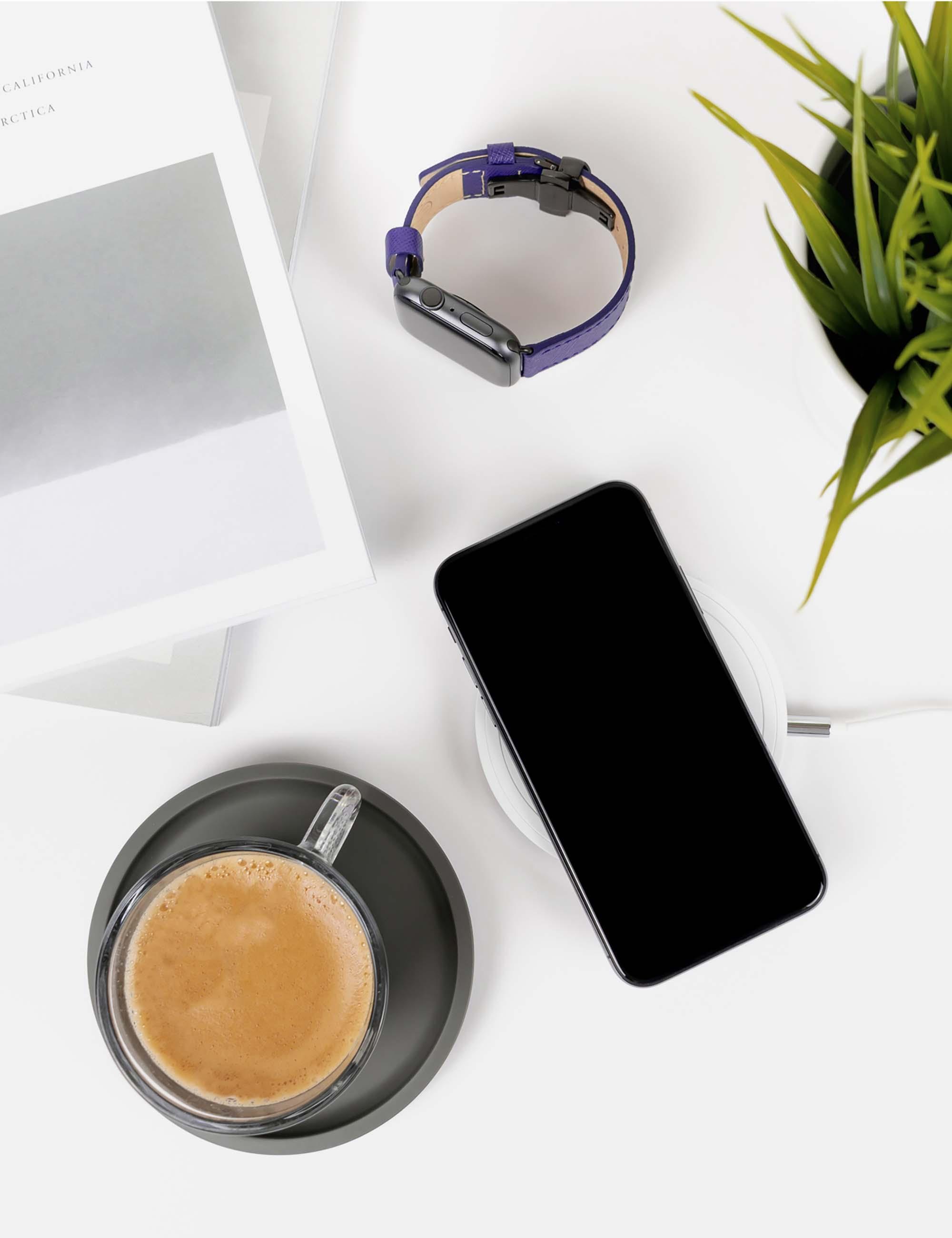 iPhone X on Desk Mockup 2