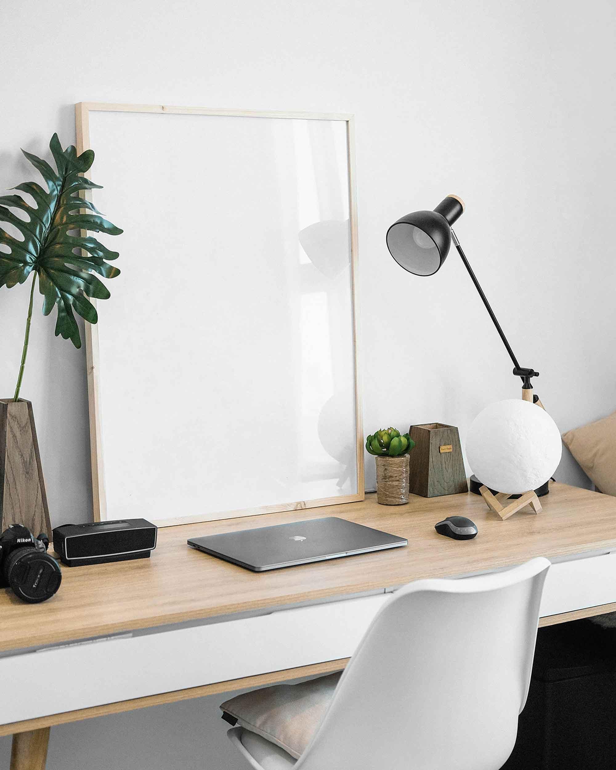 Picture Frame on Desk Mockup 2