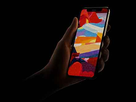 Dark iPhone XS Mockup