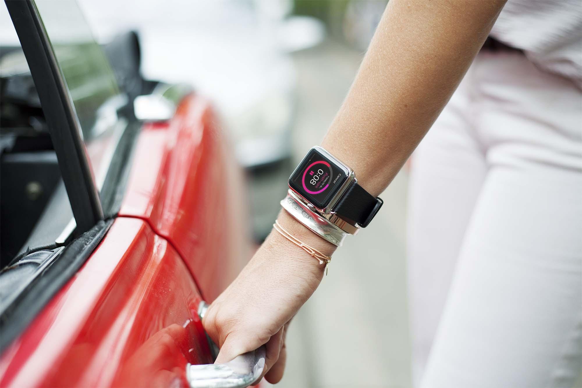 Apple Watch Mockup 04