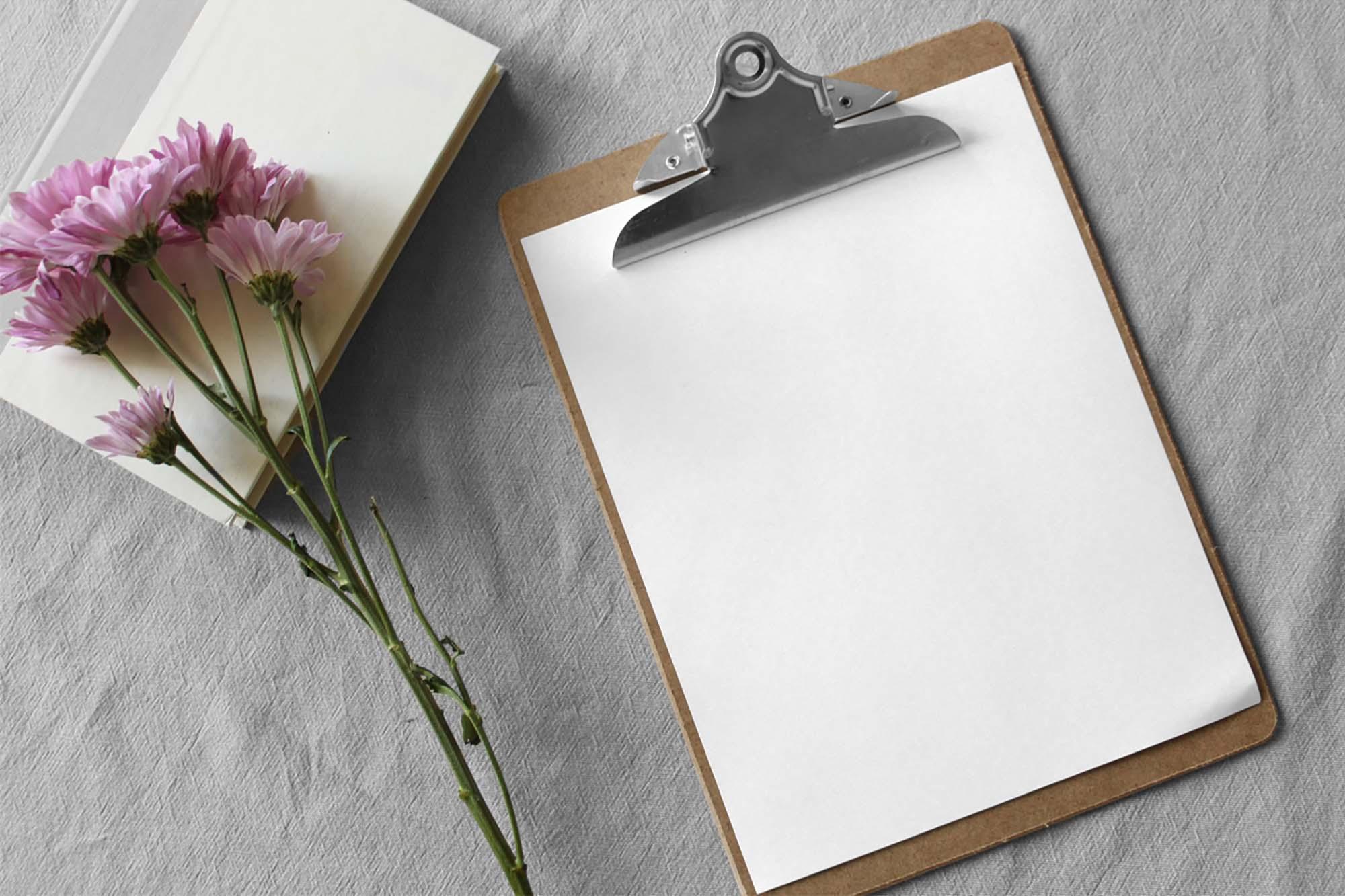 Paper Clipboard Mockup 2