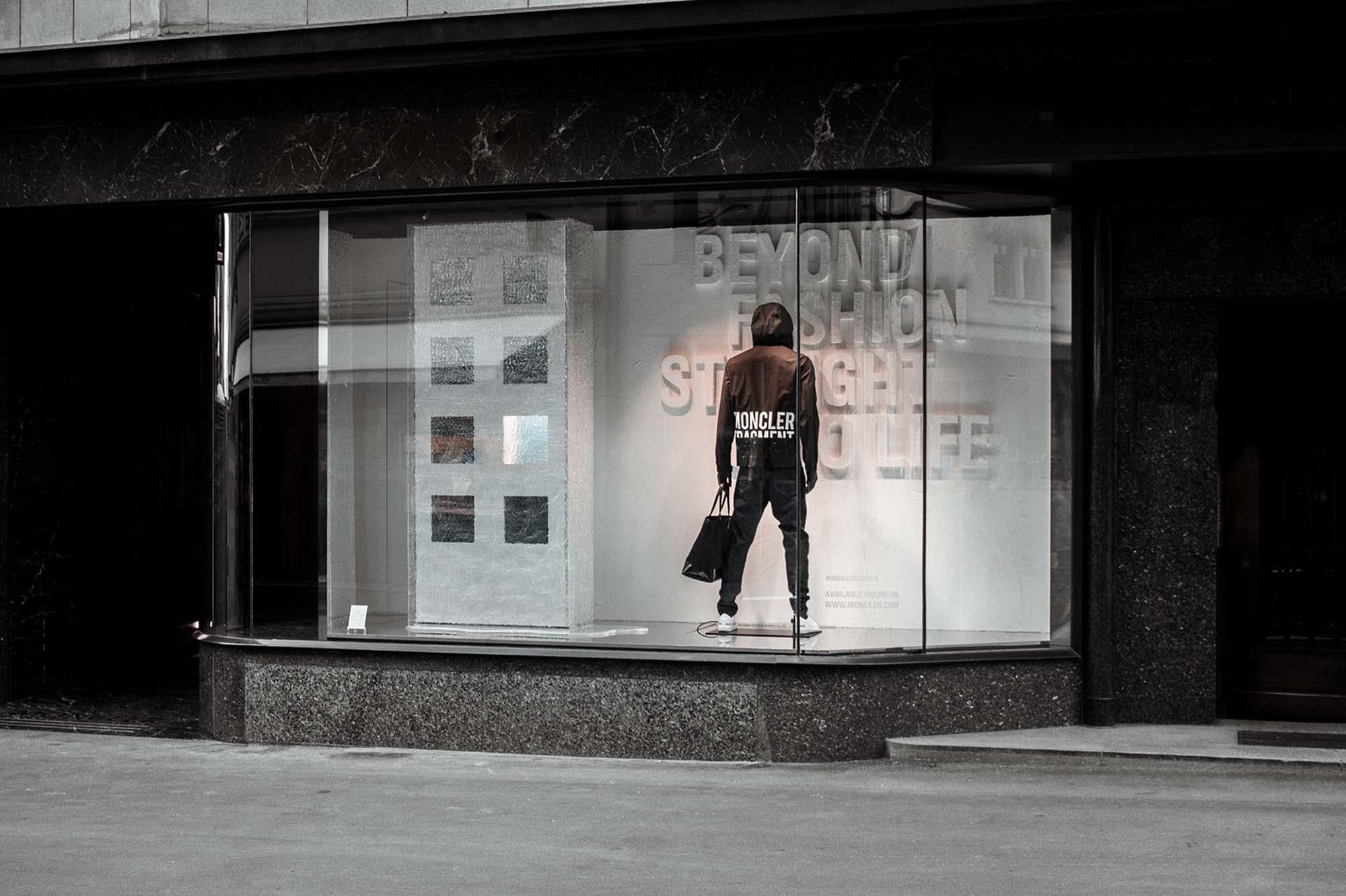 Fashion Storefront Mockup 2