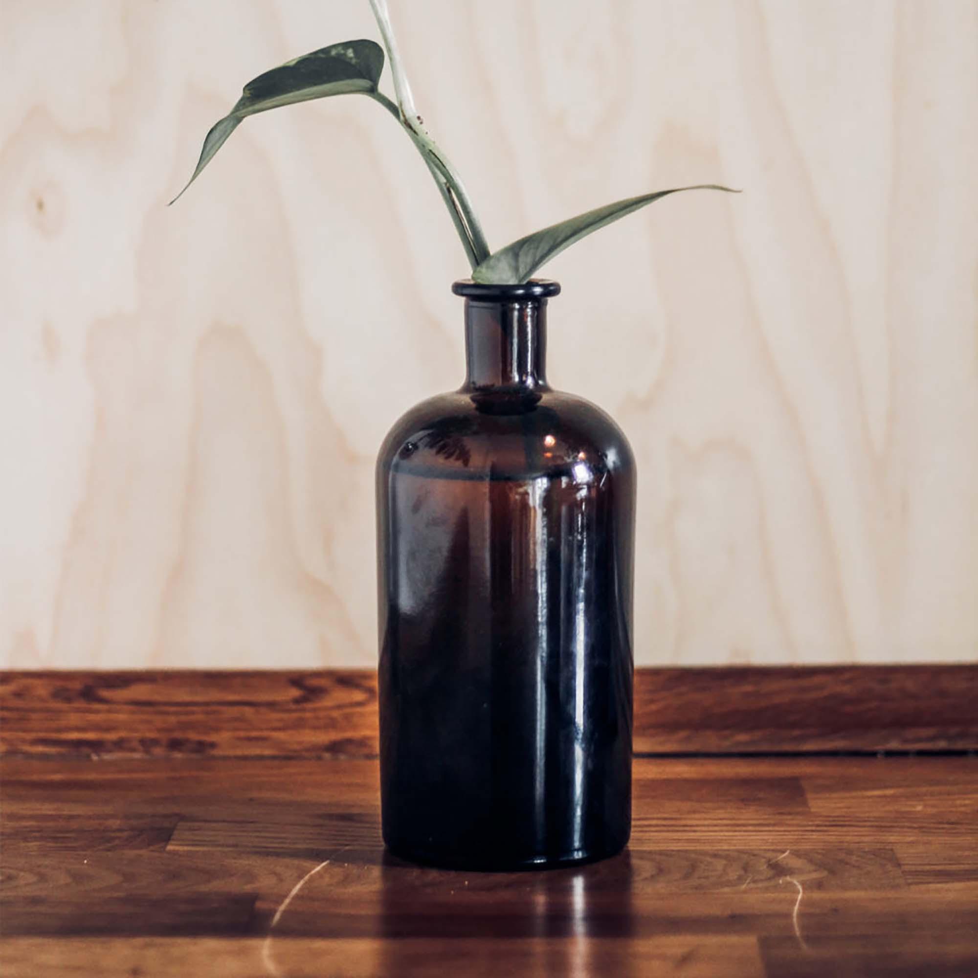 Vase Bottle Mockup 2