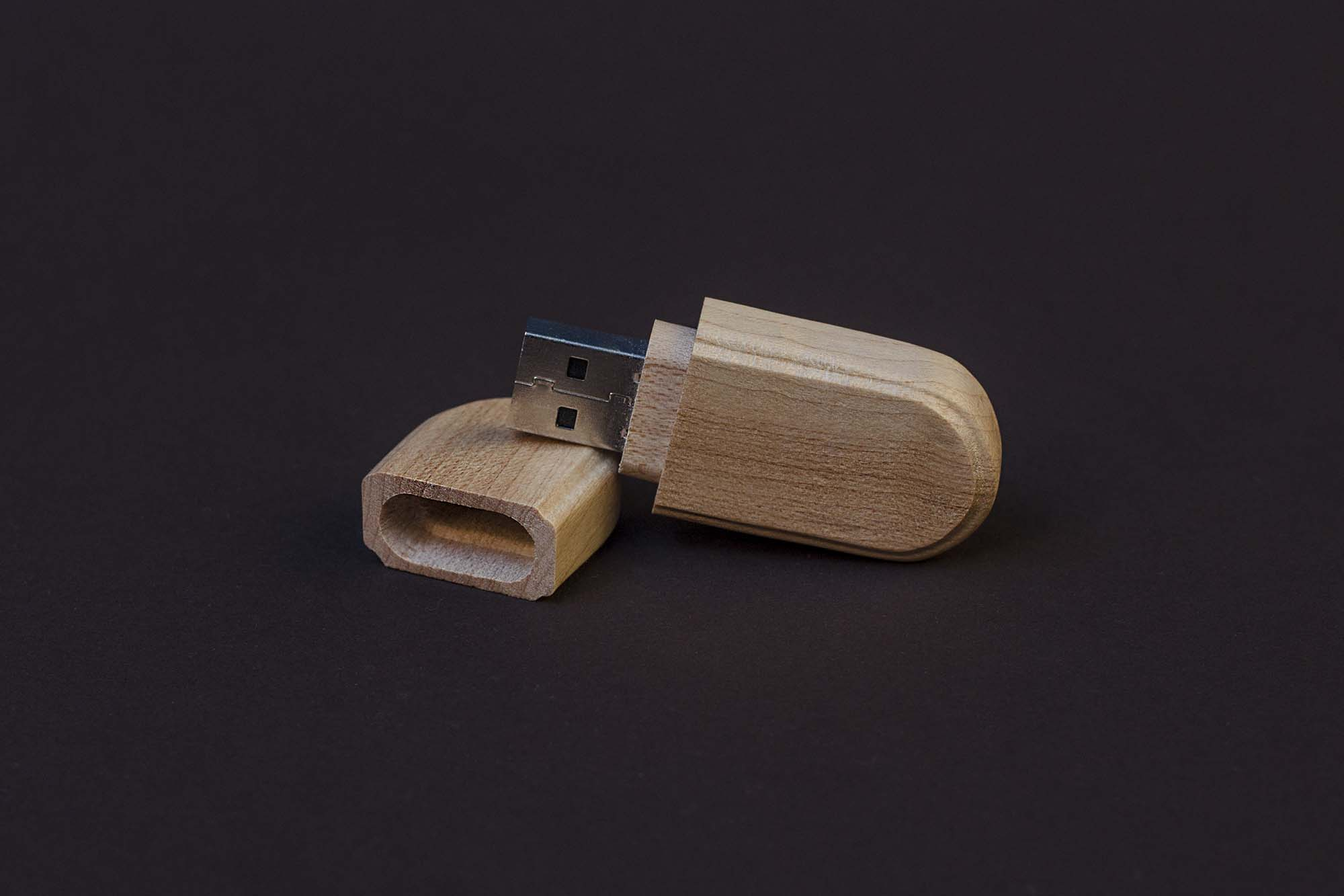 Wooden Flash Disc Mockup 2