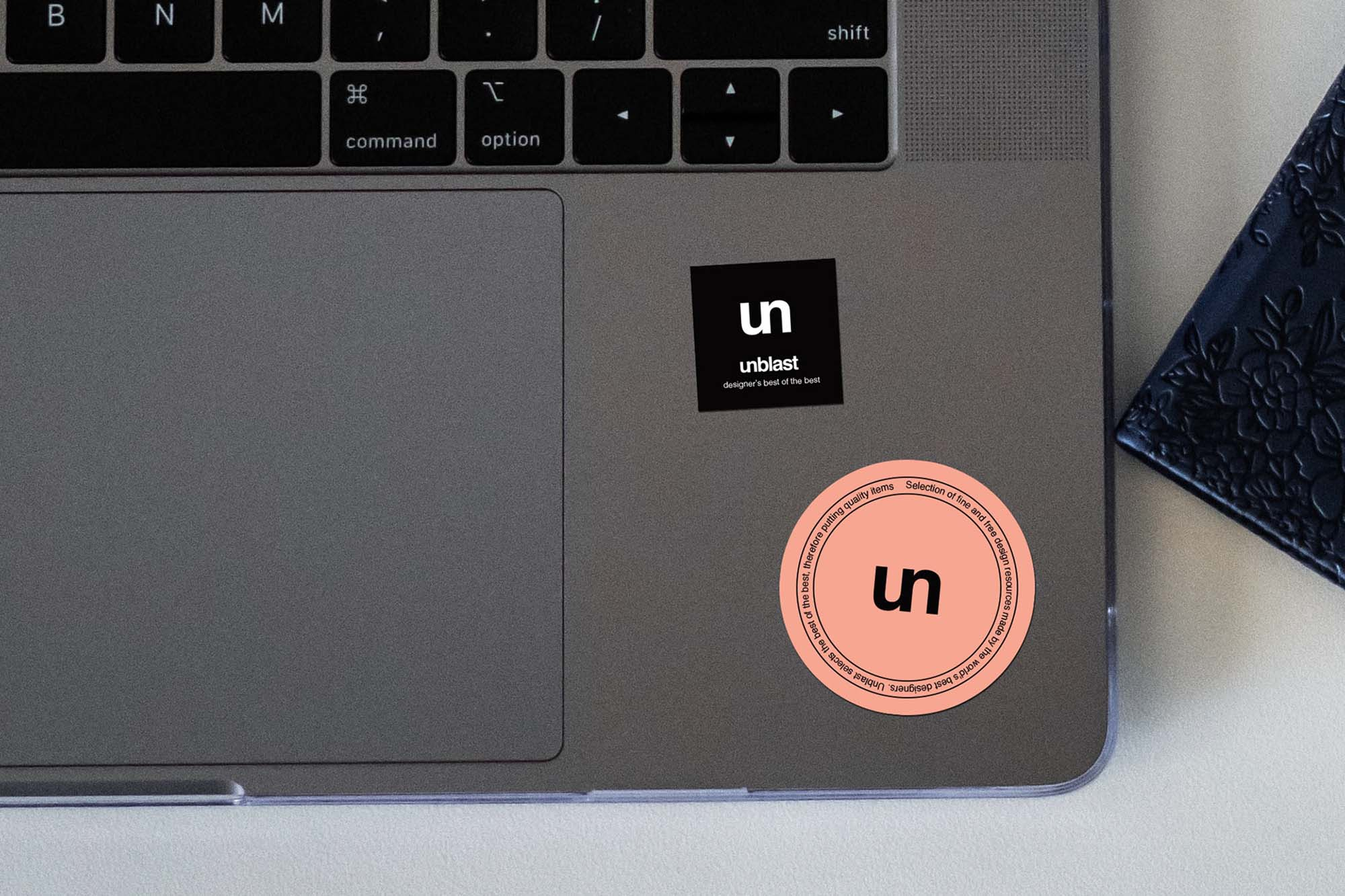 Free Sticker On Laptop Mockup  Psd