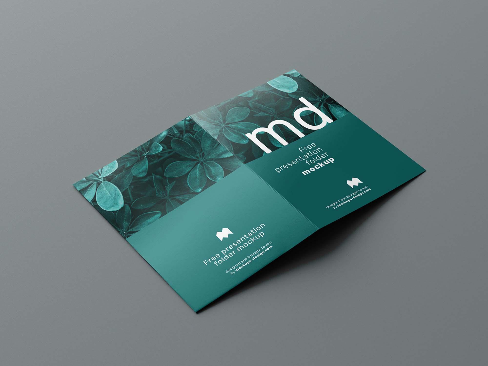 Folder Mockup 2